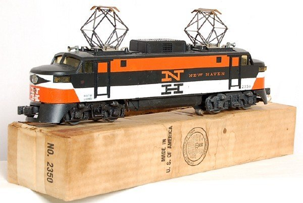 811: Lionel reverse color painted nose 2350 NH, OB