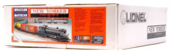 1005: Lionel 11744 Pass Freight MINT Sealed  boxed