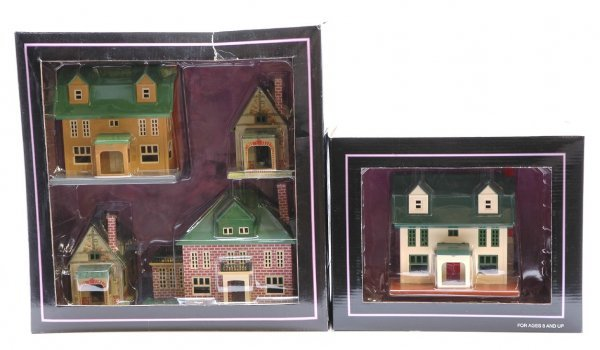 1010: MTH 1110 Villa Set and 4010 Villa MINT Boxed