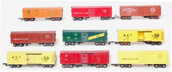 14: Large lot of American Flyer boxcars and a reefer