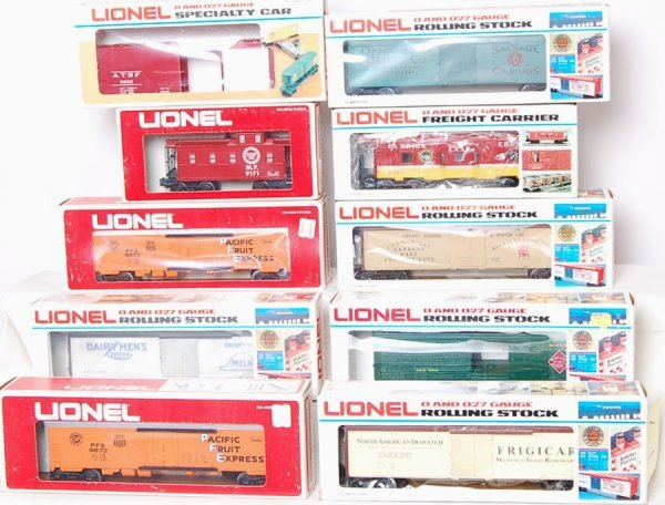 17: Lot of 10 Lionel  9382 5700 5711 5701 5703 9872