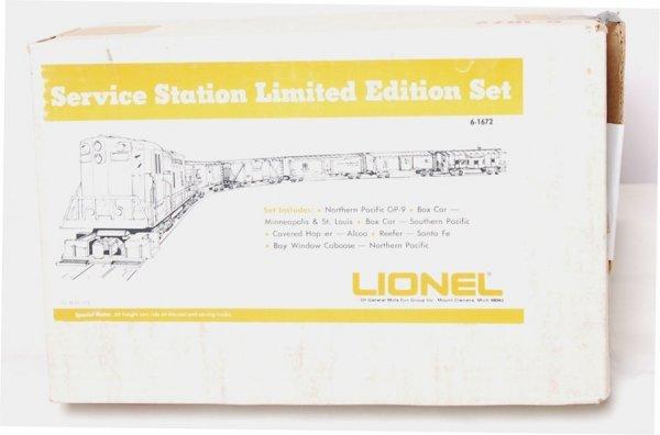21: Lionel 1672 Set in Boxes GP-9 w/ Set Box