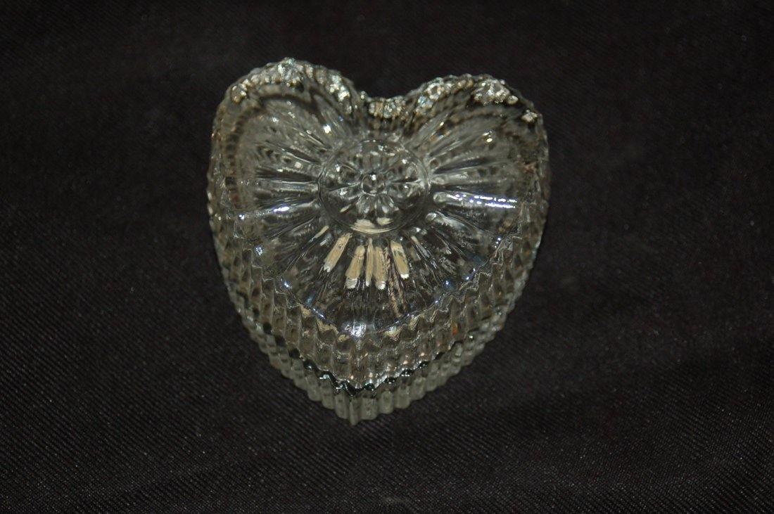 GLASS TRINKET BOX MADE ROMANIA HEART SHAPED