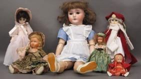 6 Collectible Dolls