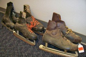 508: 3 PAIR OF VINTAGE ICE SKATES