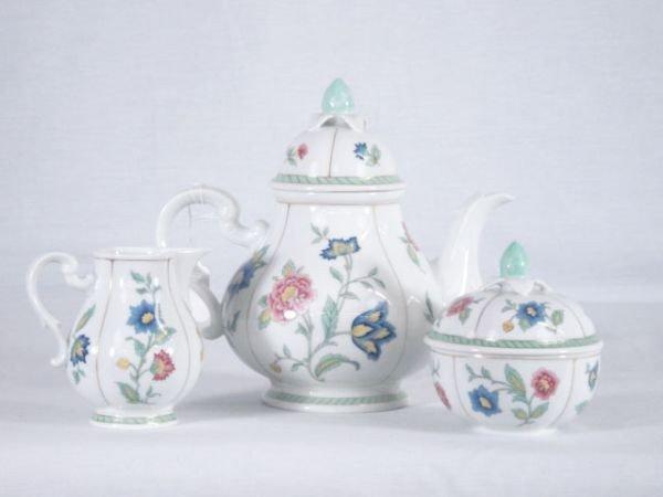 3: Heinrich Tea Set