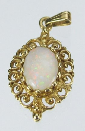 14K Pendant With Solitaire Opal