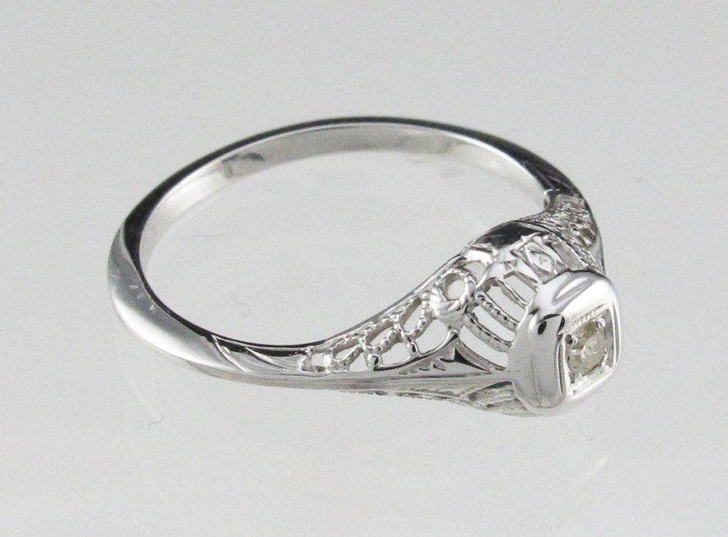 Lady's Diamond Filigree Style Ring