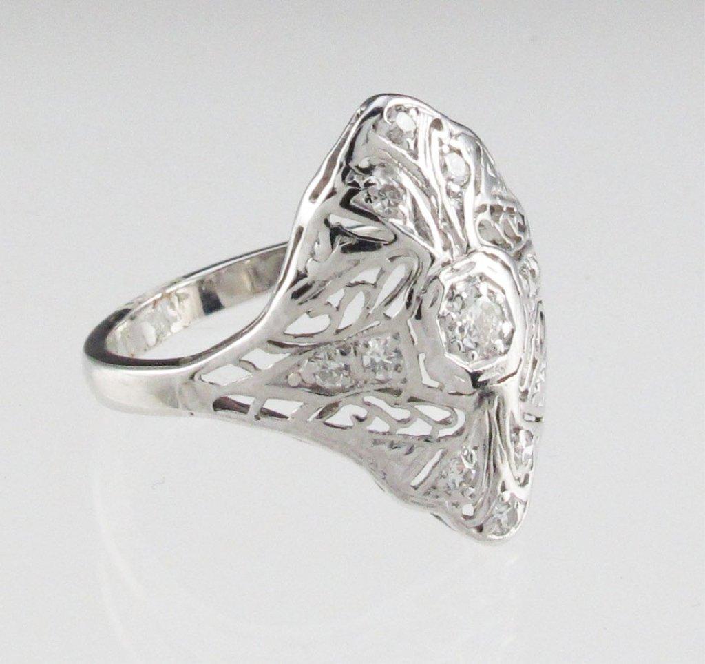 Lady's Platinum Diamond Filigree Style Ring