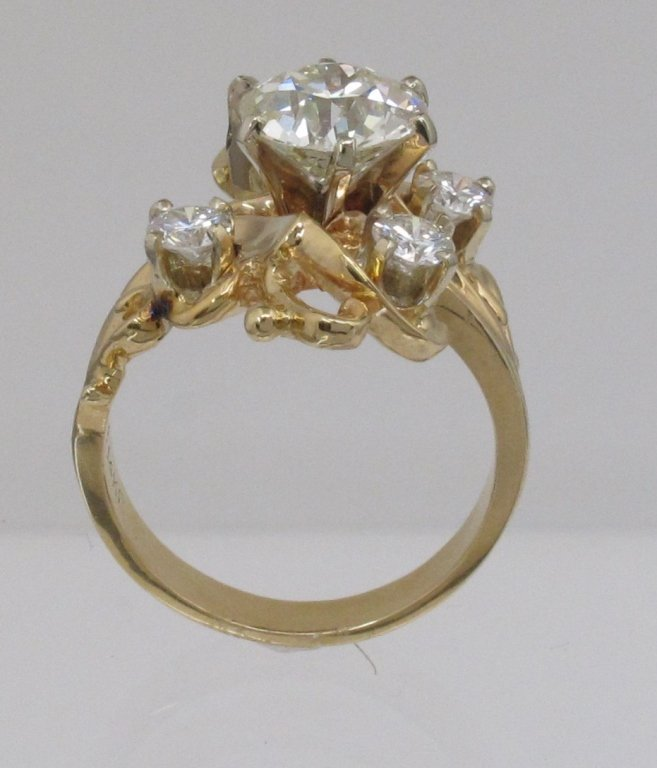 3.22 Ct. Lady's Diamond Ring - 3