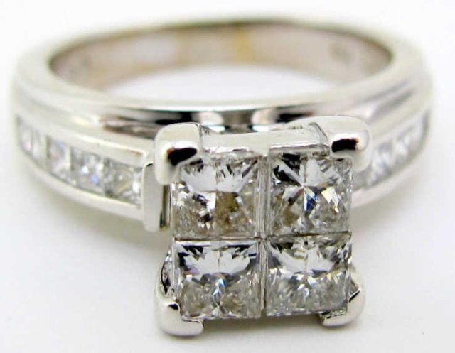 18K White Gold 1-1/2 Ct. Diamond Ring