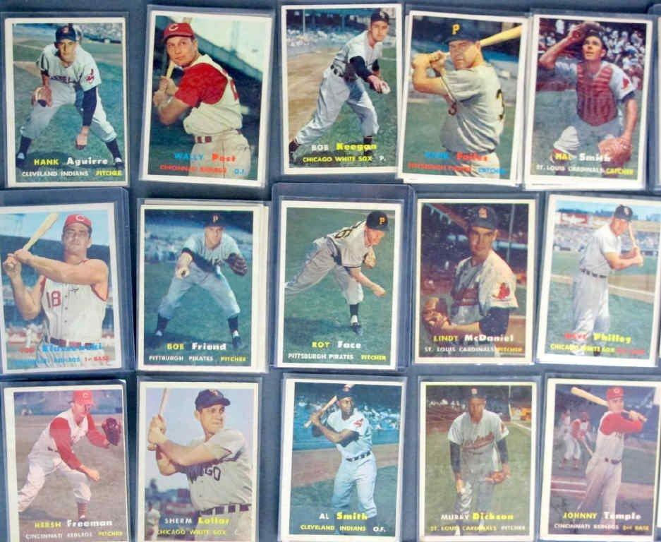44 - 1957 TOPPS Baseball Cards - 4
