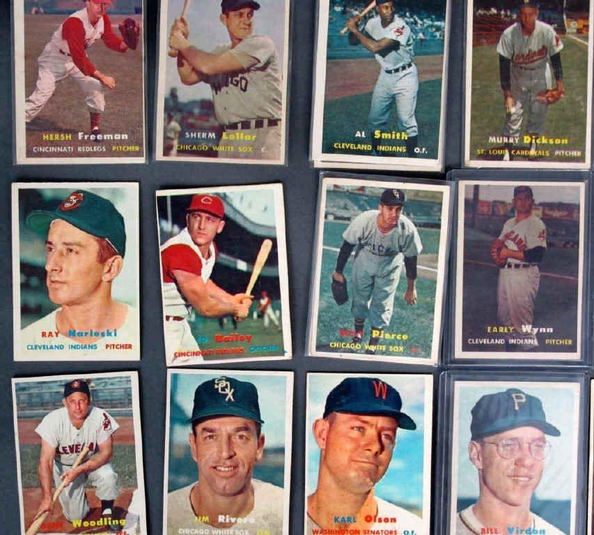 44 - 1957 TOPPS Baseball Cards - 5