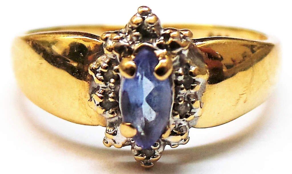 Lady's 14K Tanzanite Ring