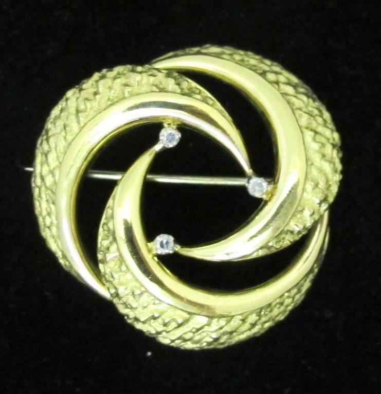 18K Brooch with Diamonds