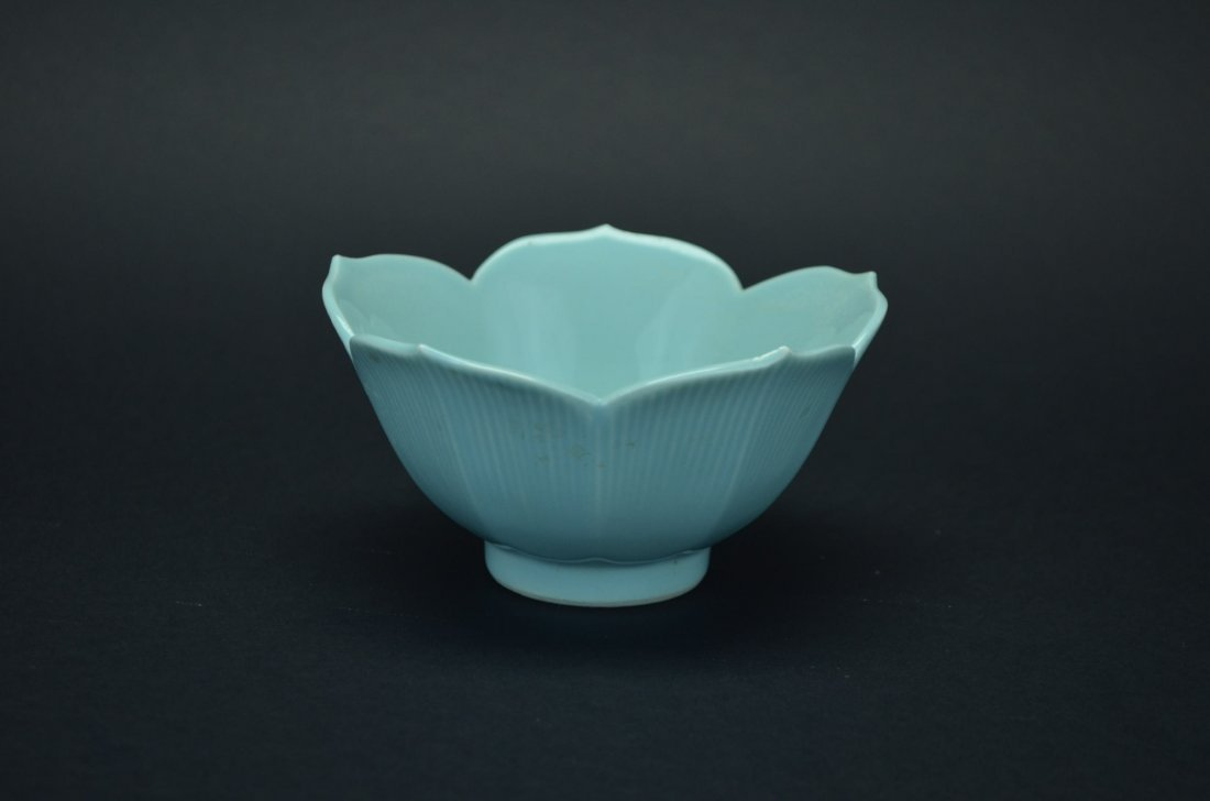 Green glaze flower bowl
