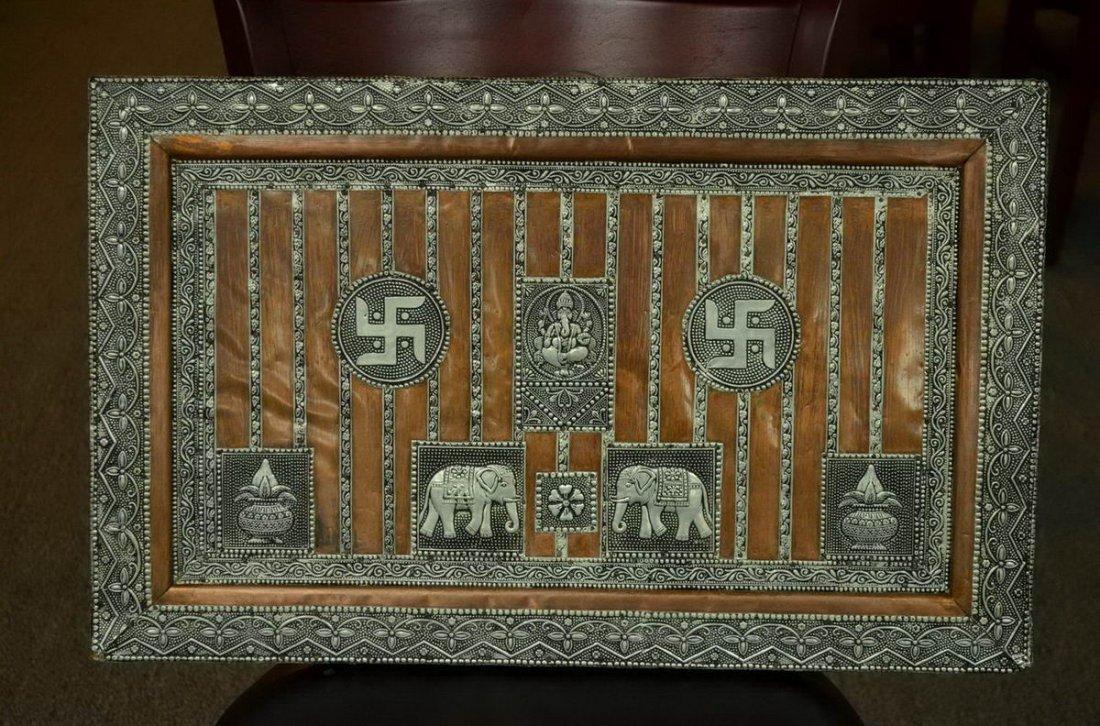 Elephant figure silvery hanging panel