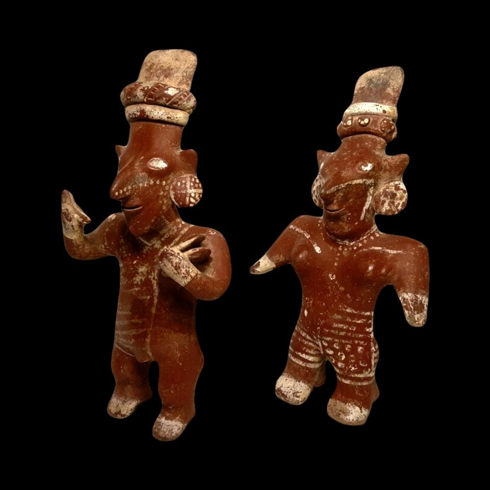 Pair of Jalisco Sheepface Pottery Figures - 4