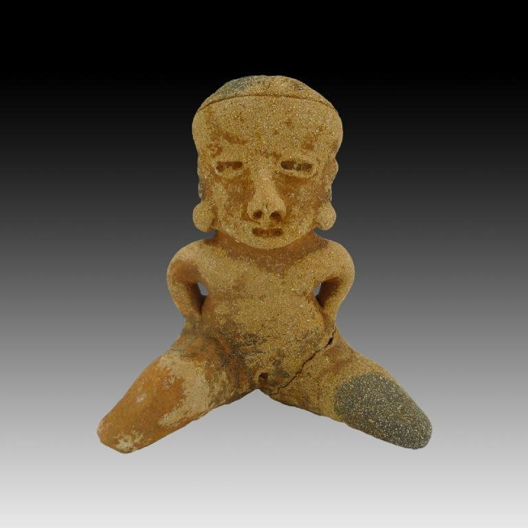 Pre-columbian Chinesco Type D Seated Figure