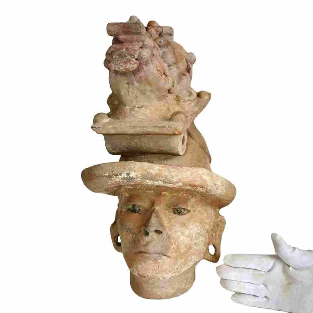 Important Pre-columbian Veracruz Pottery Head
