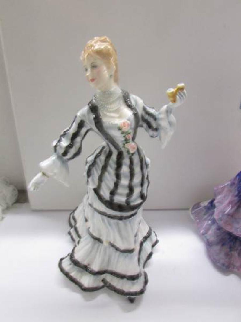 4 Royal Doulton figurines being Shepherdess HN735 - 2