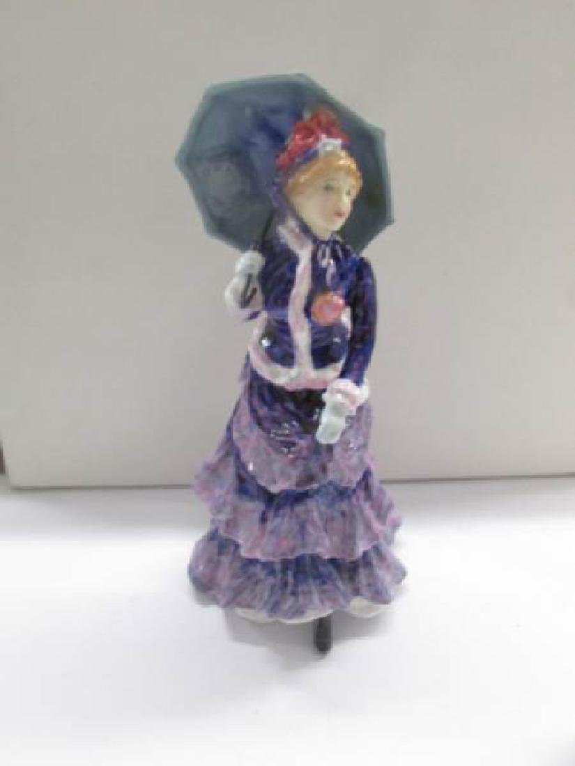 4 Royal Doulton figurines being Shepherdess HN735 - 4