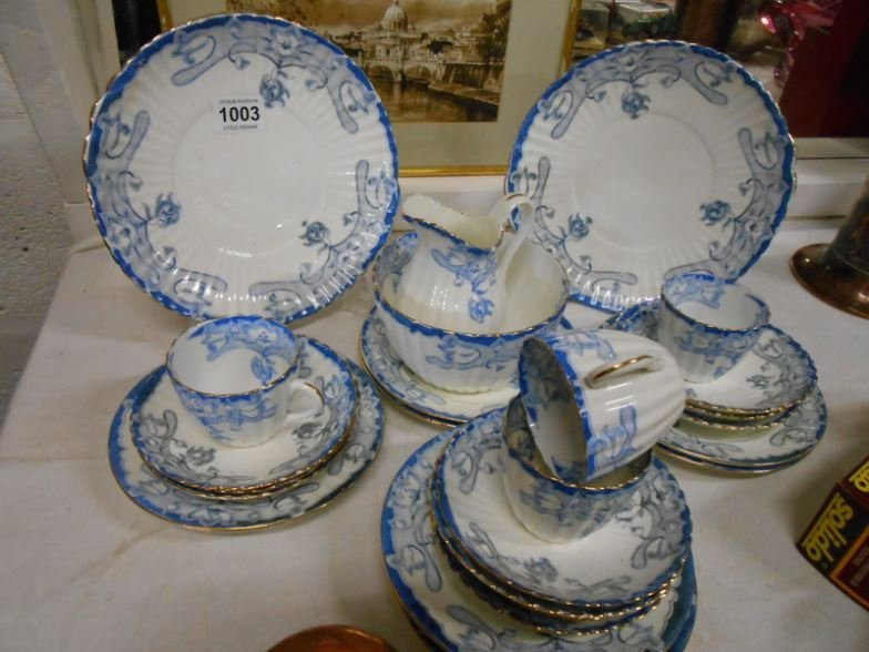 28 pieces of blue and white tea ware