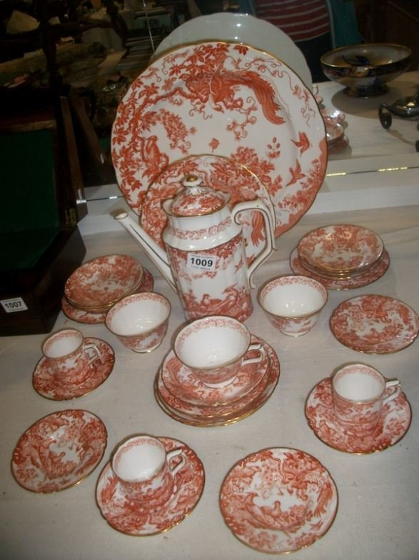 27 pieces of Royal Crown Derby 'Red Aves' pattern china
