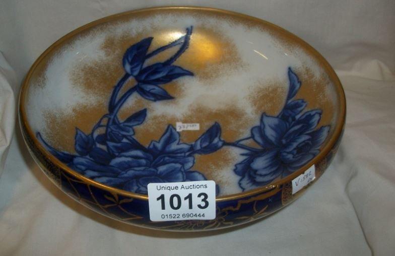 A Royal Doulton bowl, a/f
