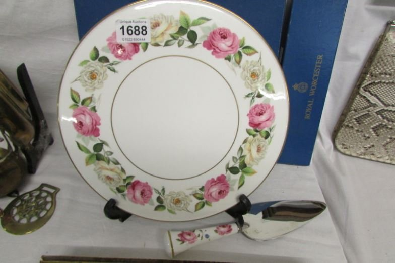 A Royal Worcester cake plate and cake slice