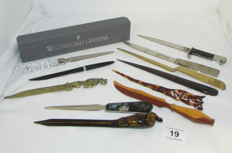 A mixed lot of letter openers including advertising and