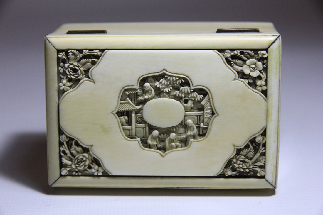 Chinese Qing Dynasty 19th C Ivory Box