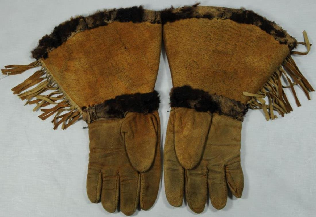 PAIR OF WOODLANDS, LADIES LEATHER GAUNTLETS WITH - 2