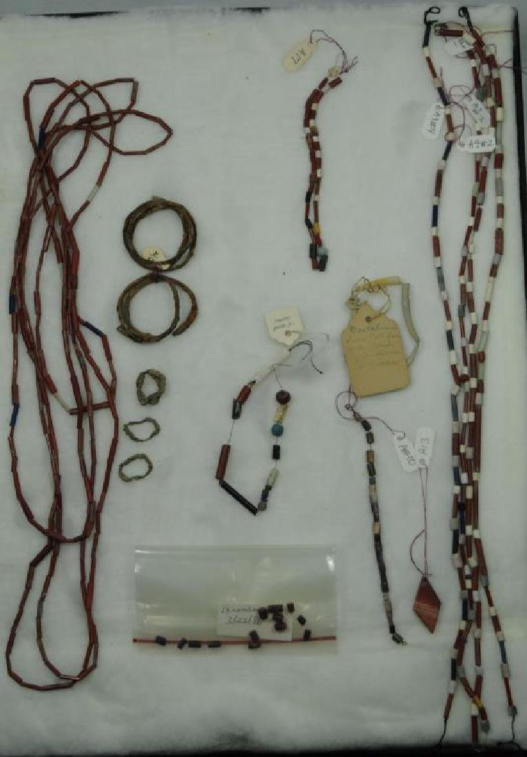 COLLECTION OF MISCELLANEOUS BEADS TO INCLUDE