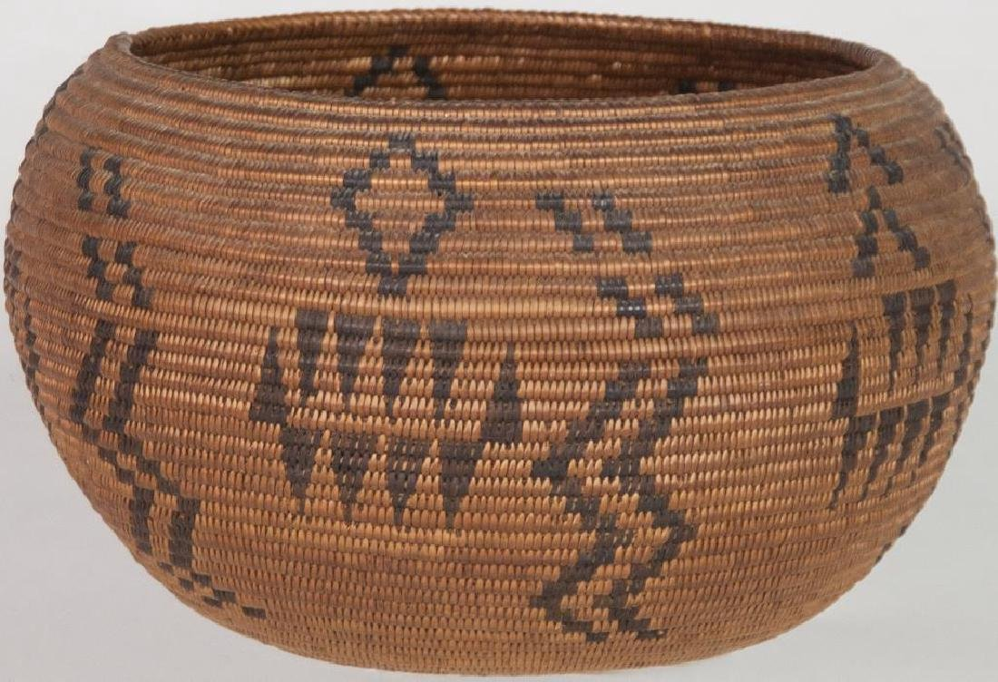 AN EXCEPTIONAL BASKETRY BOWL, BLACK GEOMETRIC