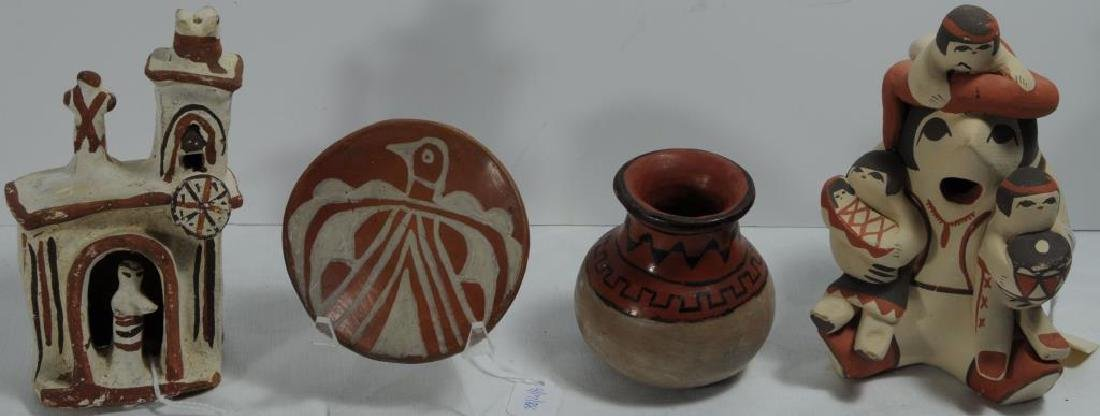LOT OF 4 POTTERY PIECES TO INCLUDE A SMALL