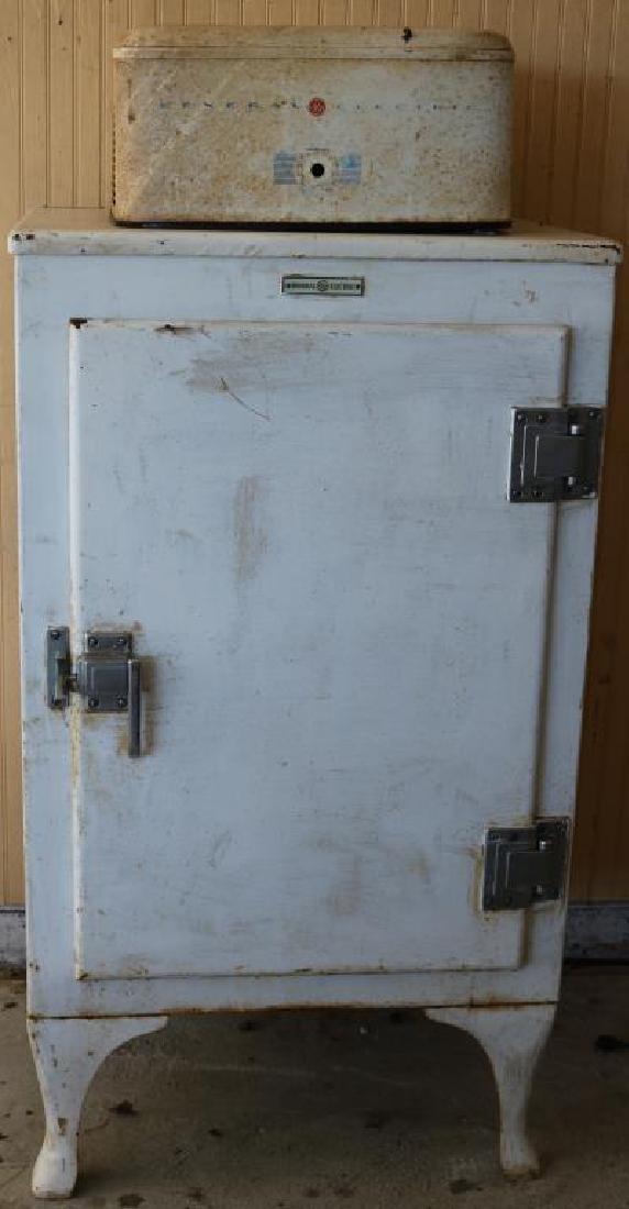 1930'S GENERAL ELECTRIC REFRIGERATOR W/