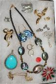 COLLECTION 10+ PCS COSTUME JEWELRY INC.
