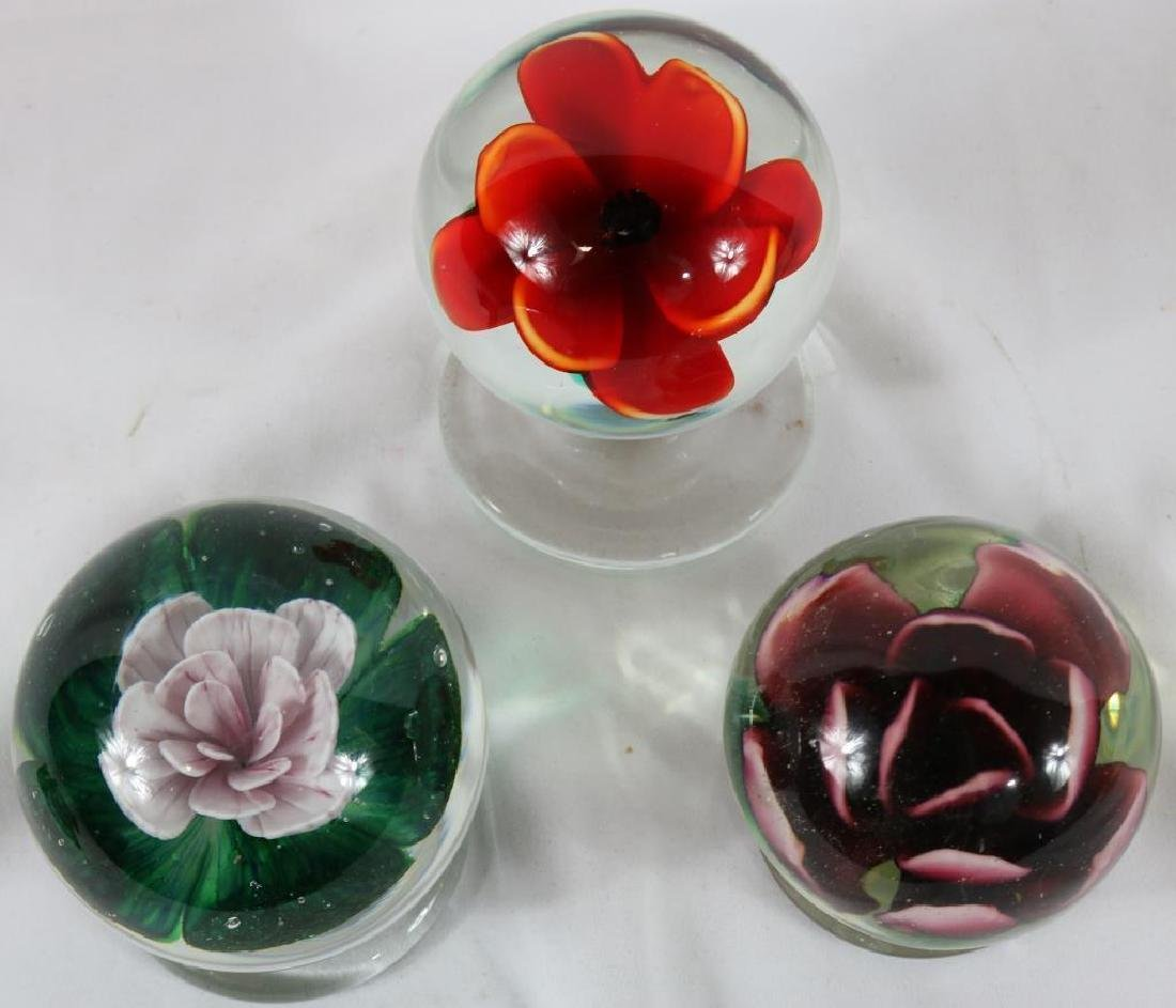 LOT OF 3 FOOTED PAPERWEIGHTS WITH FLORAL DESIGN