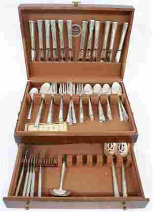 86 PC. LUNTS STERLING SILVER FLATWARE SET TO