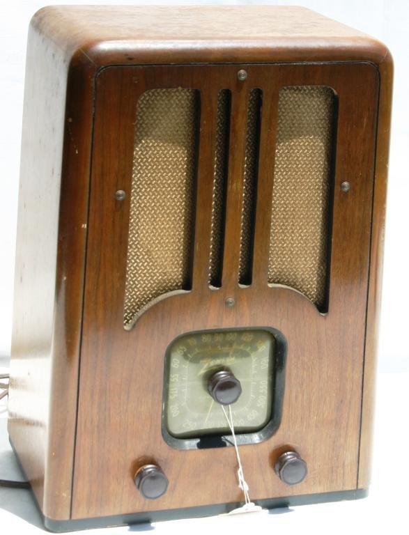 3: ZENITH RADIO, MODEL SF 134 WOOD CASE, TOMBSTONE STYL