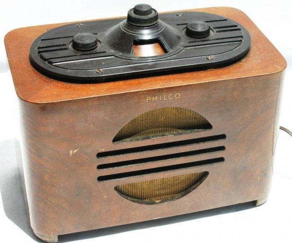 8: PHILCO 1937 TABLE RADIO MODEL 37-604C, AC/DC, BC/SW