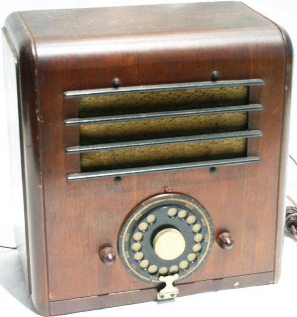 9: INDEPENDENT RADIO CORP., MODEL M-35