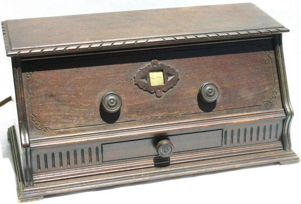 13: GILFILLAN GFC DC TABLE RADIO, 1926 MODEL 10 SERIAL,