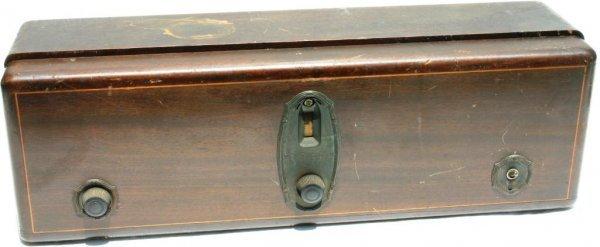 19: RCA RADIOLA MODEL 18 INLAID WOODEN CASE, NO TUBES
