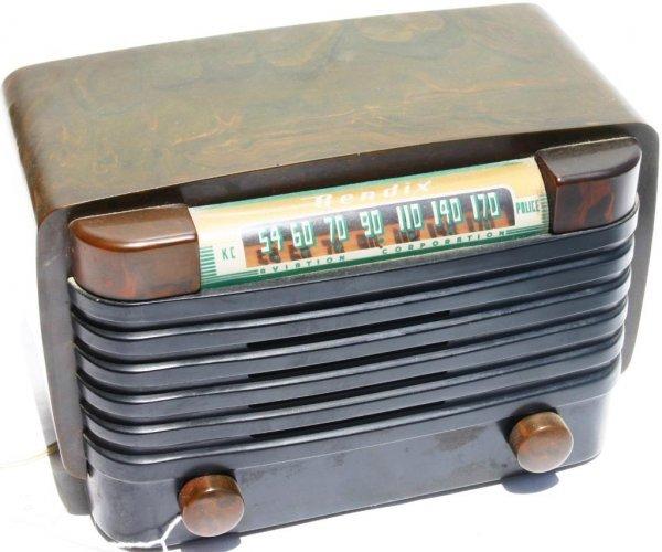 23: BENDIX 1946 TABLE RADIO, MODEL 526 C SERIAL 161694,