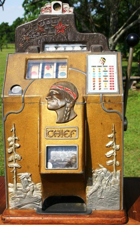 310: RARE EARLY WORKING JENNINGS CHIEF 25 CENT SLOT MAC
