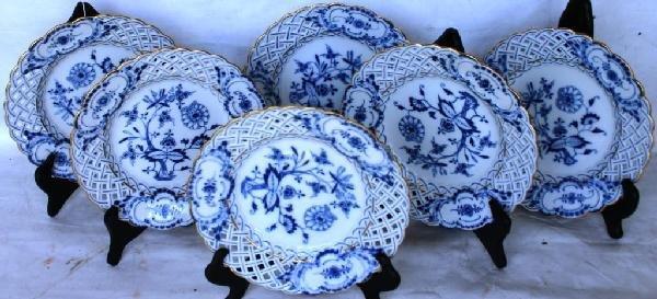 58: SET OF 6 MEISSEN PLATES, BLUE & WHITE, ONION