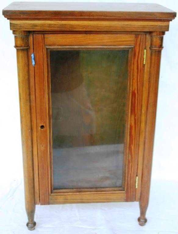 12: SMALL PINE 1 DOOR CABINET WITH COLUMN FRONT,