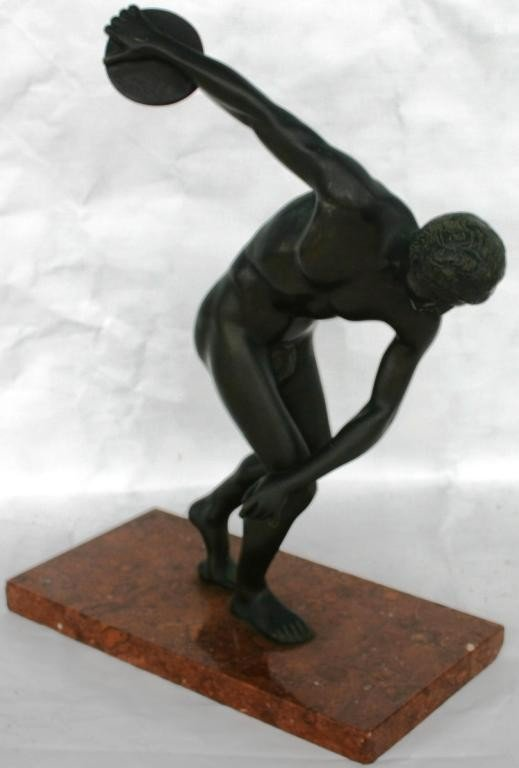 56: CAST BRONZE FIGURE OF DISCUS THROWER ON